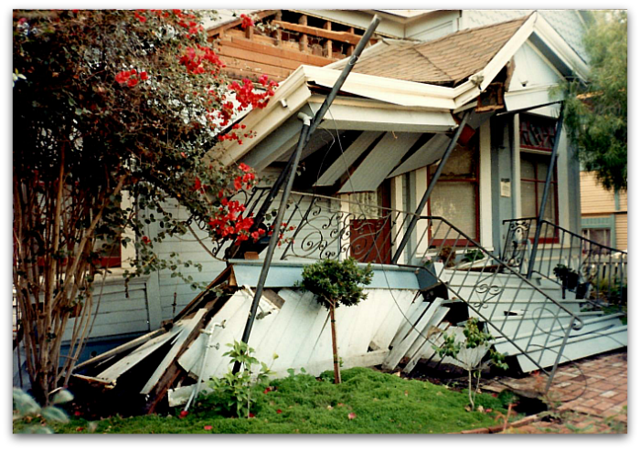House with cripple walls destroyed in Loma Prieta earthquake of 1989